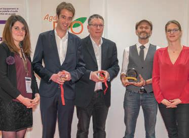 à la remise des Trophées Restau'Co de l'Innovation (S. Martinez 2e en partant de la droite) ©S. Alexandre