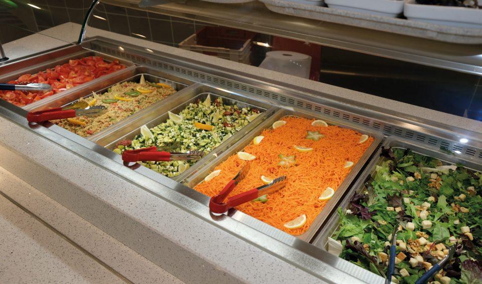 Le salad'bar du resto U L'Intermezzo à St-Martin-d'Hères
